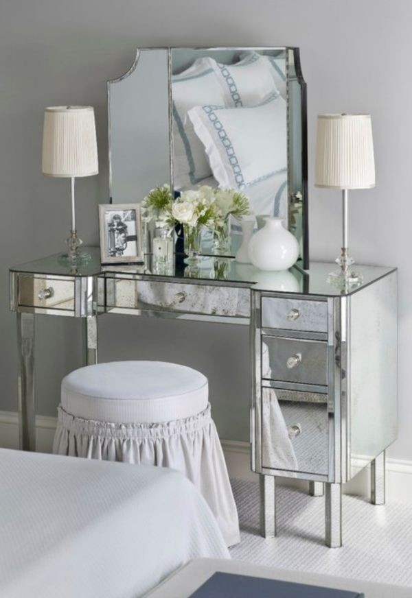Genial Makeup Table With Lights