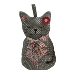Ravelry: Scairdy Cat Doorstop pattern by Kathleen Stuart   287x287