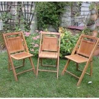 Charmant Vintage Wooden Folding Chair 1