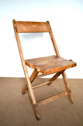 Collapsible wooden chair