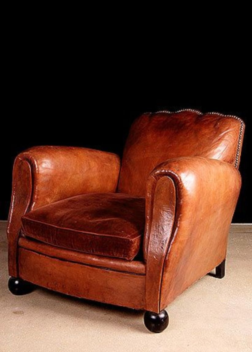 French Vintage 34 Scalloped Back 34 Leather Club Chair