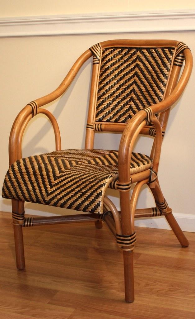Merveilleux Rattan Barrel Chair