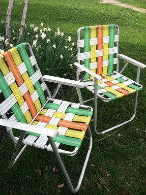 Retro folding lawn chairs set of 2