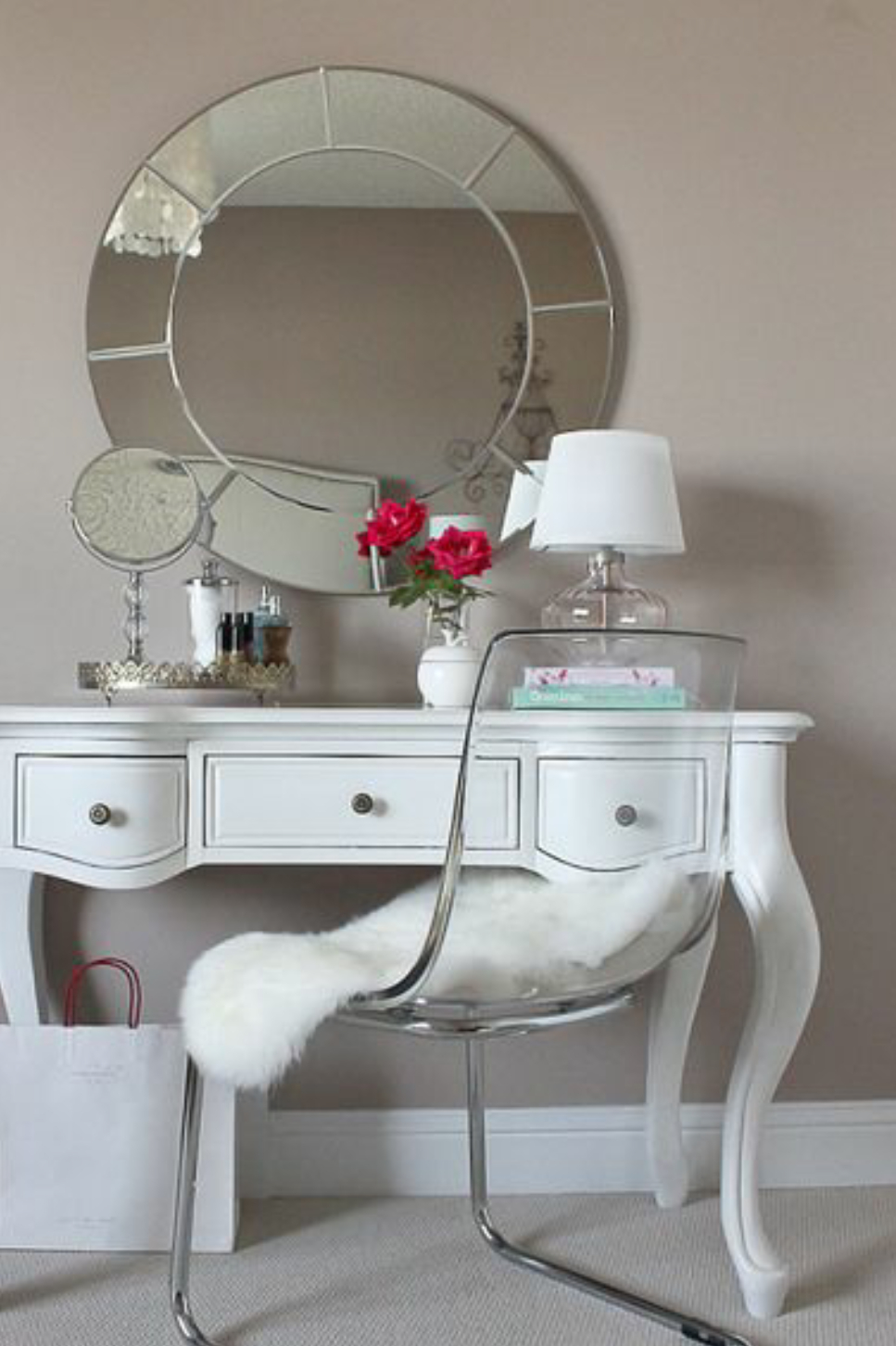 Merveilleux Vanity With Mirror And Chair
