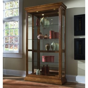 Pulaski Golden Oak 2-way Sliding Door Curio - 20544