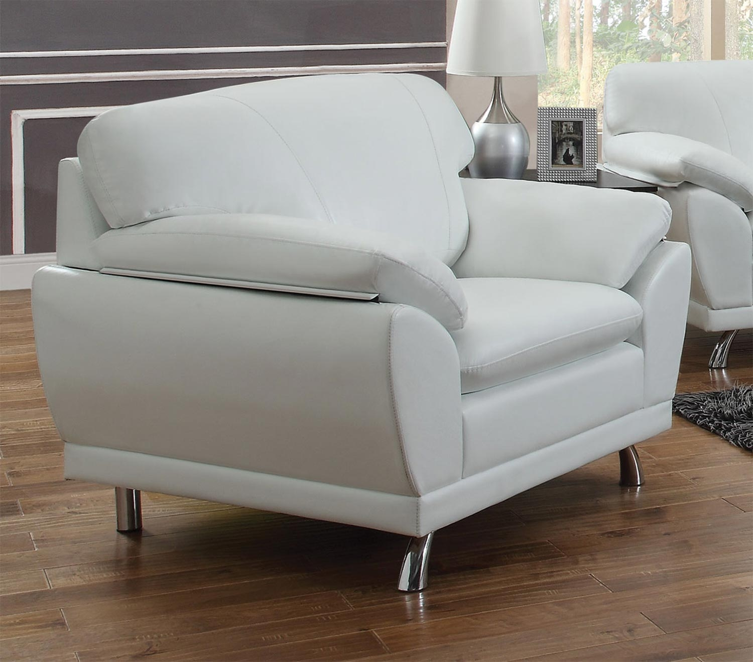 Robyn Arm Chair In White Bonded Leather By Coaster