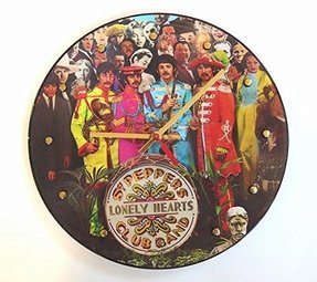 THE BEATLES Vinyl Record Picture Disc Clock (Sgt Pepper's Lonely Hearts Club Band)