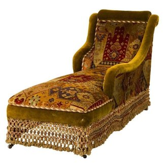 Antique velvet chaise longue 1