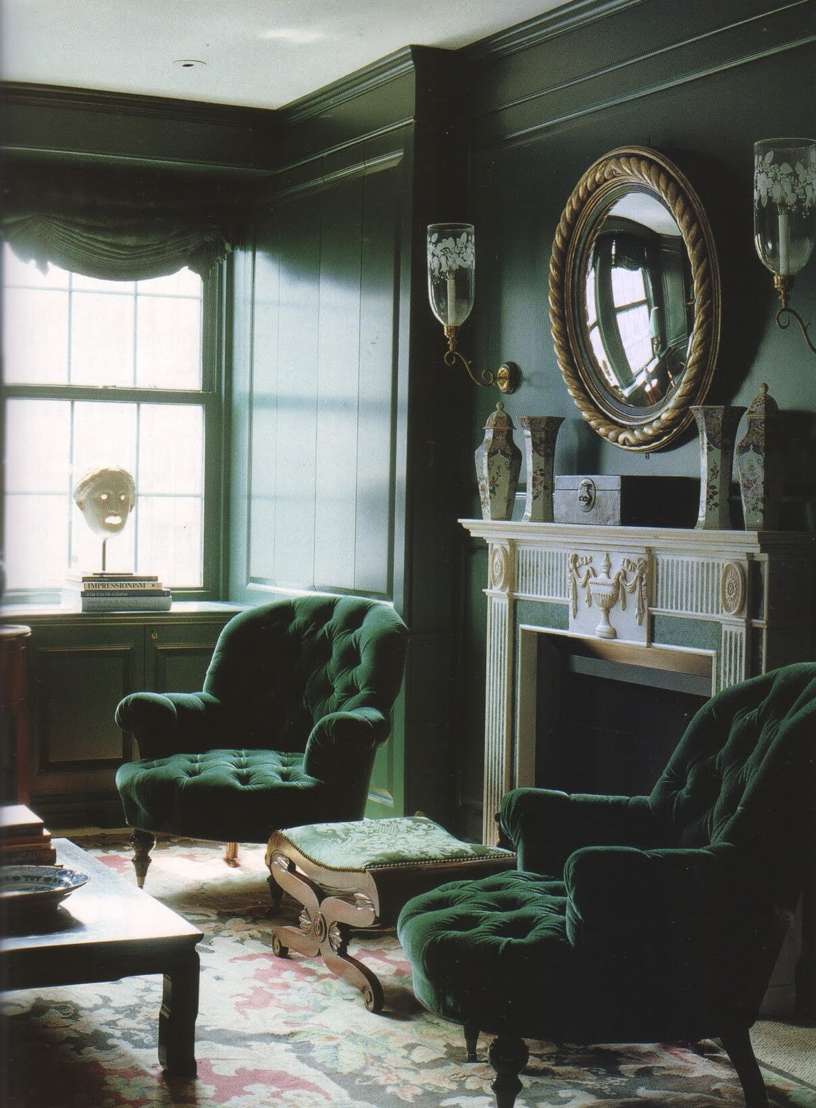Beautiful Emerald Green Velvet Chair