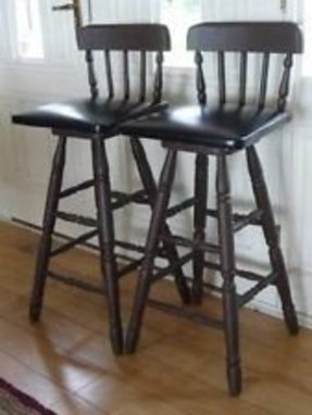 Wood Colonial Bar Stools