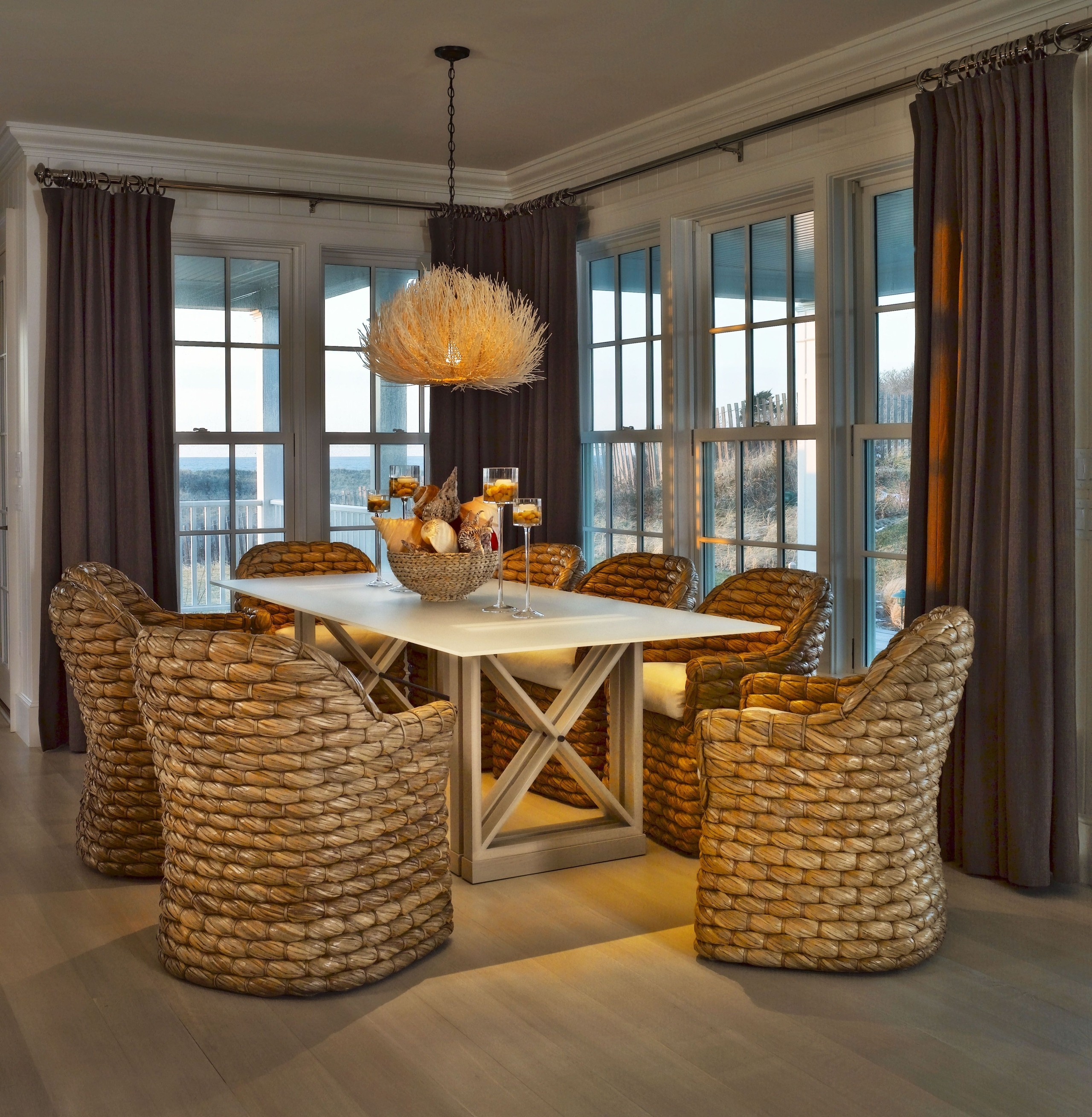 Amazing Seagrass Dining Set