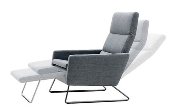 Charmant Small Space Recliner