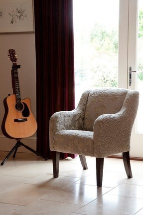 Small upholstered armchair 1