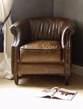 Vintage leather club chair 5