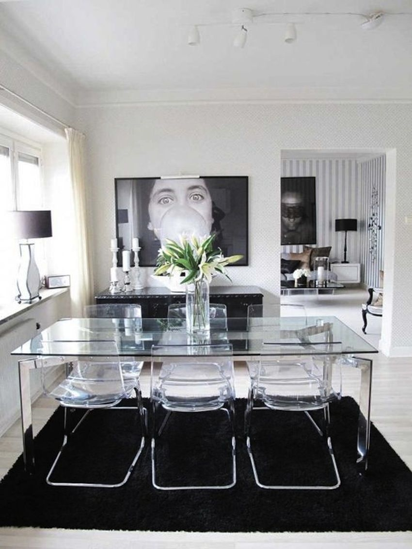 Superbe Clear Glass Dining Table