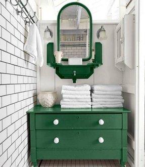 Dark green bathroom