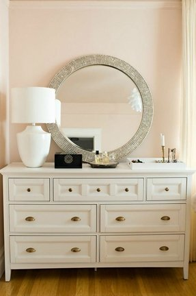 Dressers With Jewelry Drawers