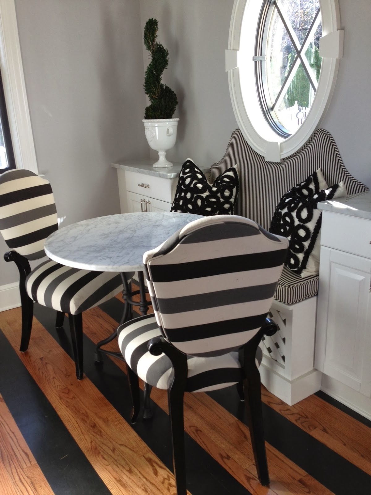Beau Indoor Bistro Table Chairs
