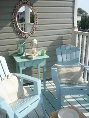 Plastic garden furniture paint