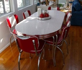 Retro Dining Set Red