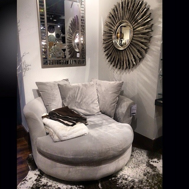 Round Chaise Lounge Chair