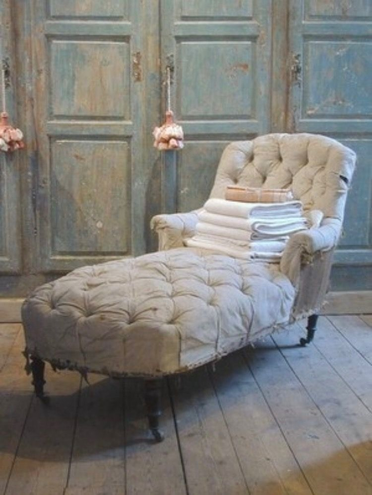 Tufted Chaise Lounge Chair 1