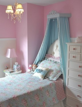 How to make a canopy for a toddler bed