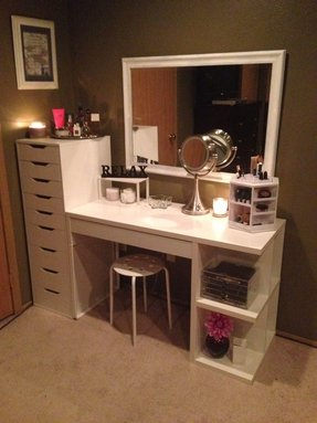 Make up station