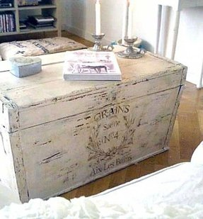 Shabby chic trunks