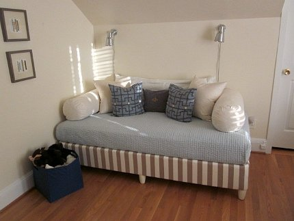 Turn A Twin Bed Into A Couch