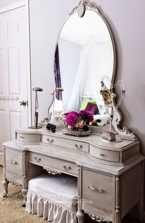 Vanity dressing table