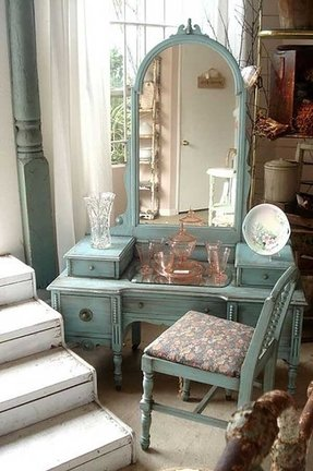 Vintage Makeup Vanity With Lights. Vintage makeup vanity Antique White Vanity Table  Foter