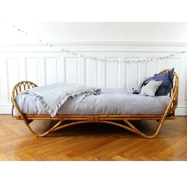 Vintage Wicker Bedroom Furniture