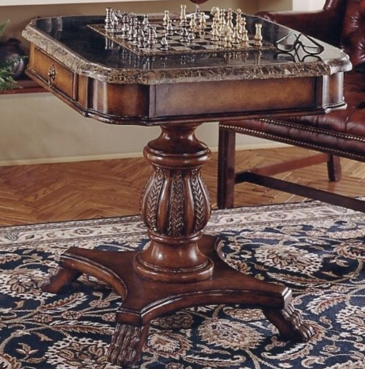 Superbe Heritage Antique Pedestal Chess And Checker Game Table