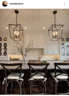 Pendant Lighting Over Kitchen Peninsula