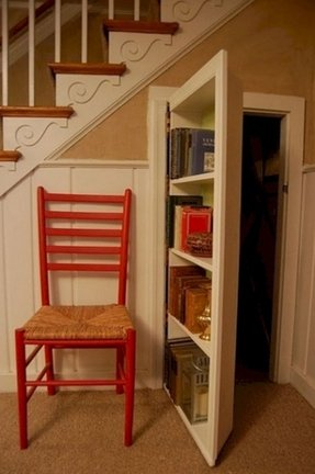 Old Door Bookshelf Easy Craft Ideas
