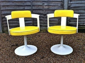 Plastic swivel chairs 1