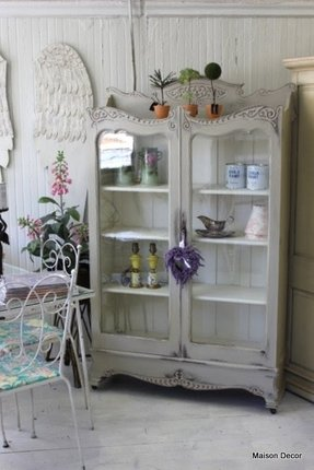Shabby chic bookcases 4