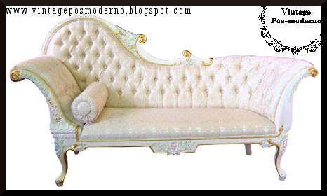 A Lovely Enhancement For Your Living Room Or Bedroom, This Victorian Chaise  Lounge Drowns In Elegance And Sophistication. A Beautifully Hand Carved  Frame ...