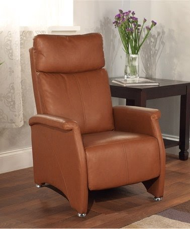Narrow recliner