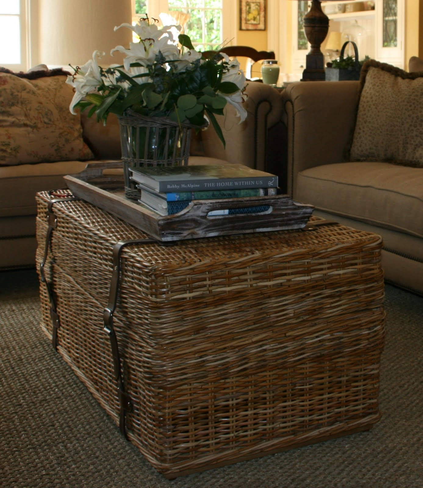 Round Wicker Coffee Table With Storage 1