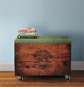 Storage ottoman with wheels