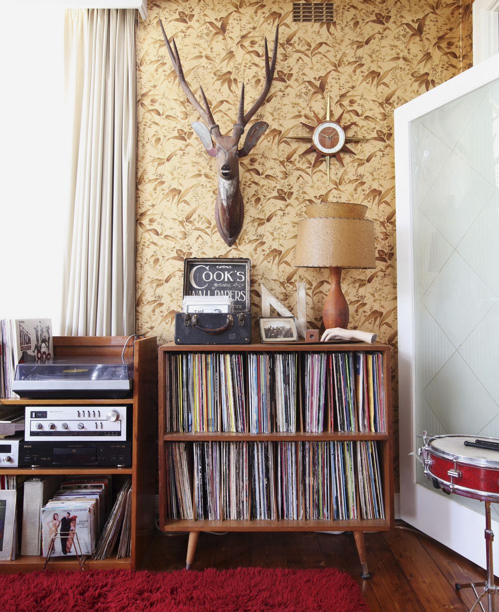 Vinyl Living Room Furniture 7