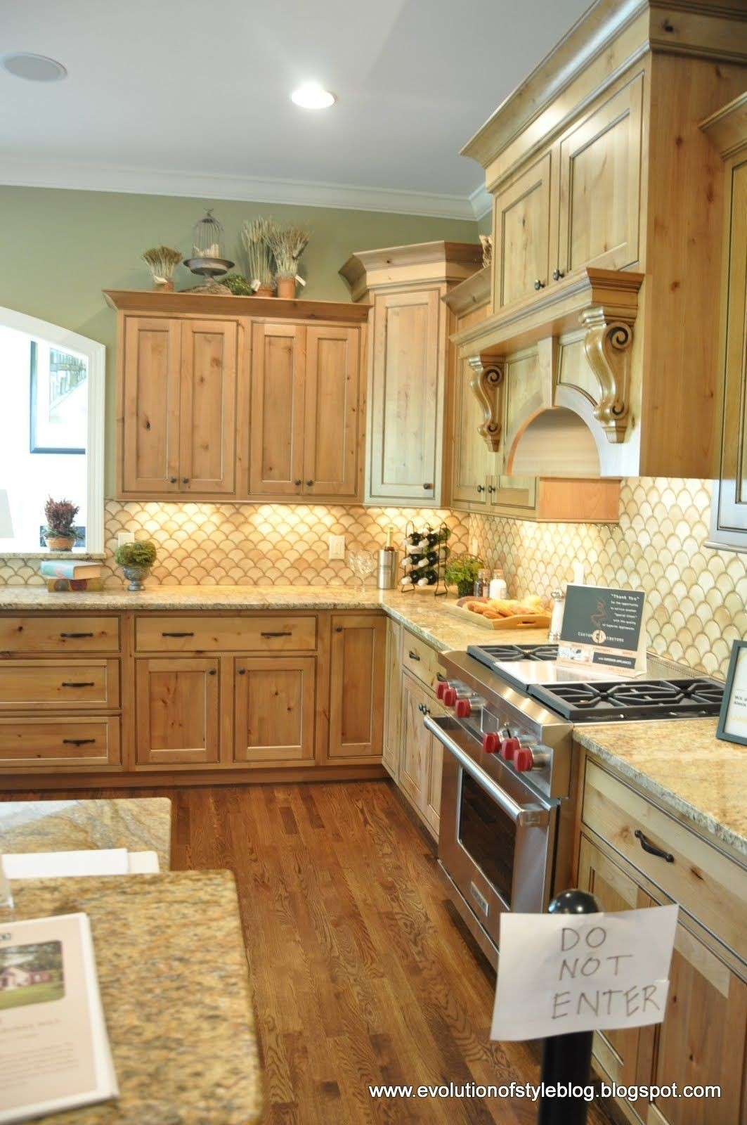 Maple Cabinets 19