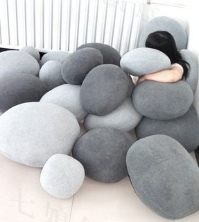 Set of 6 pebble stone pillows beige or