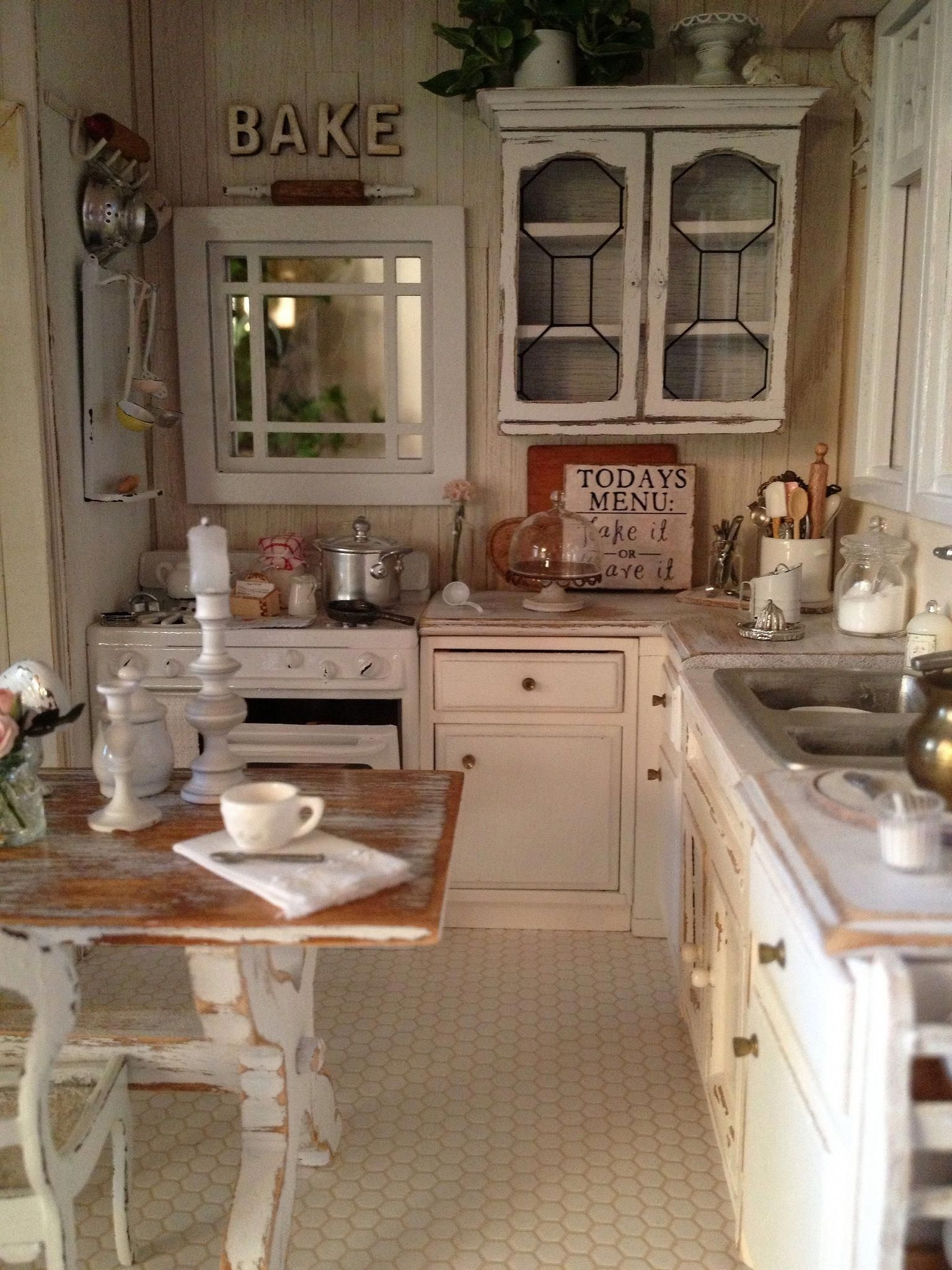 Small Country Kitchen Tables