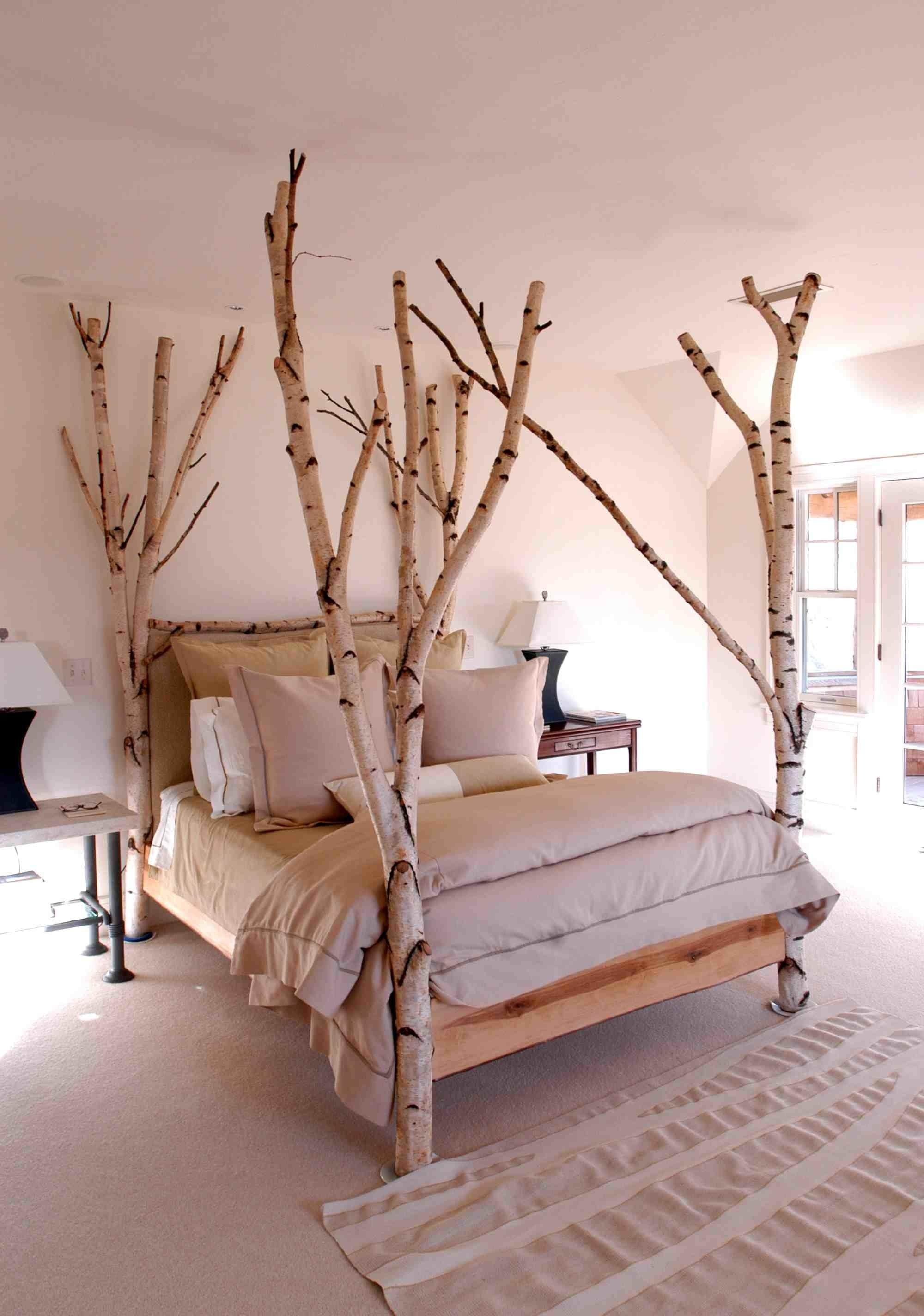 Incroyable This Original Bed Includes Four Posts In The Form Of Natural Trees. Black  And White Colors Are Dominating In This Stylization. Birch Furniture 1