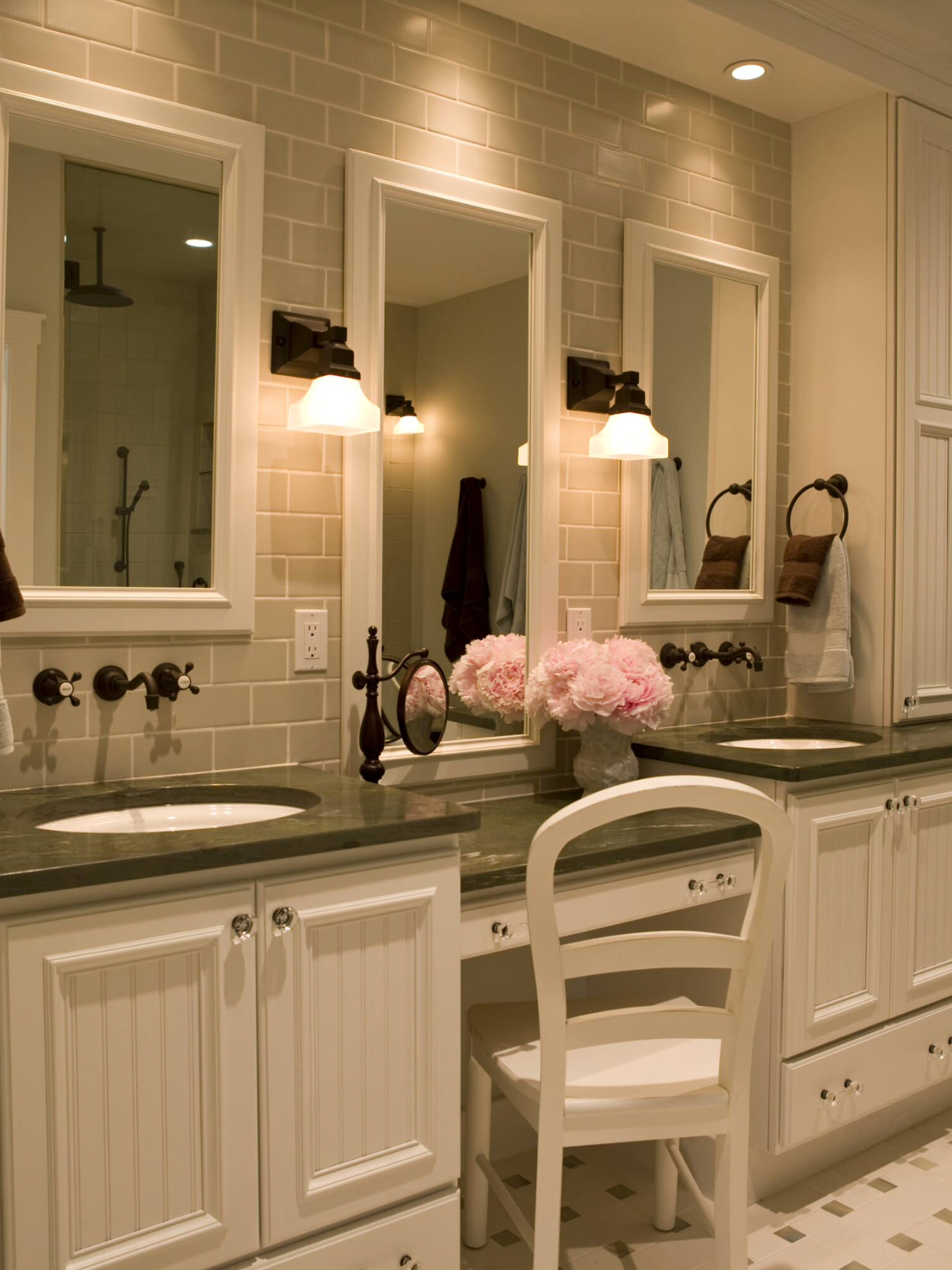 Traditional Double Sink Bathroom Vanity