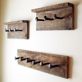 Rustic coat rack wall hanger with 6