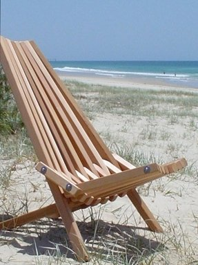 Western red cedar folding outdoor chair